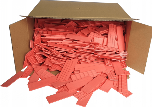 BOX OF RED