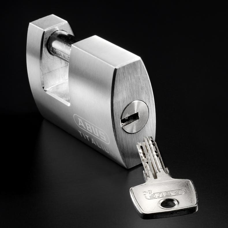 98 titalium 70mm padlock